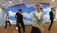 Exo dances to Cat Daddy